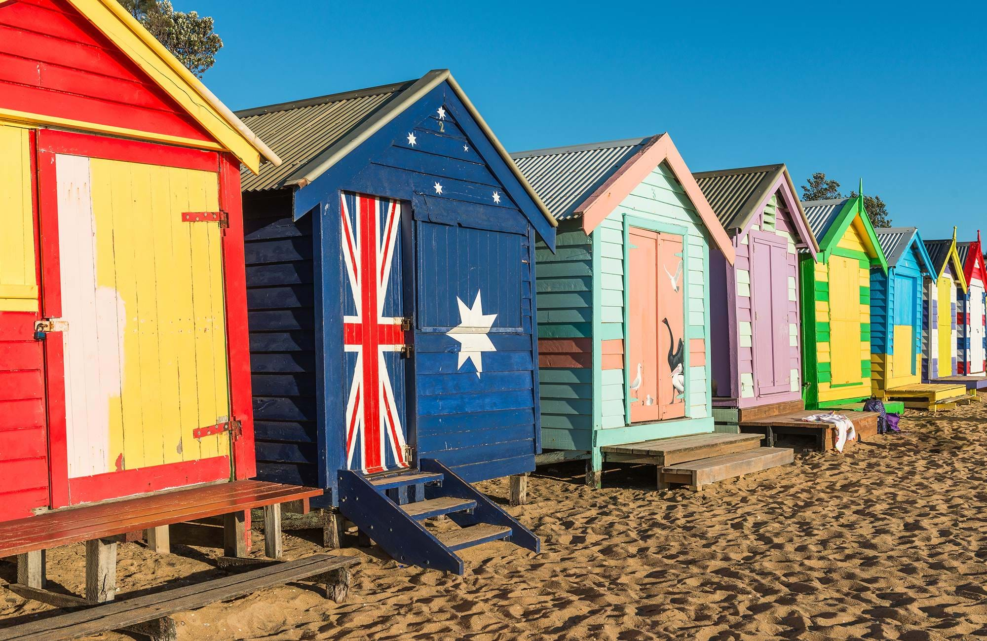 australia-melbourne-brighton-beach-colorful-huts