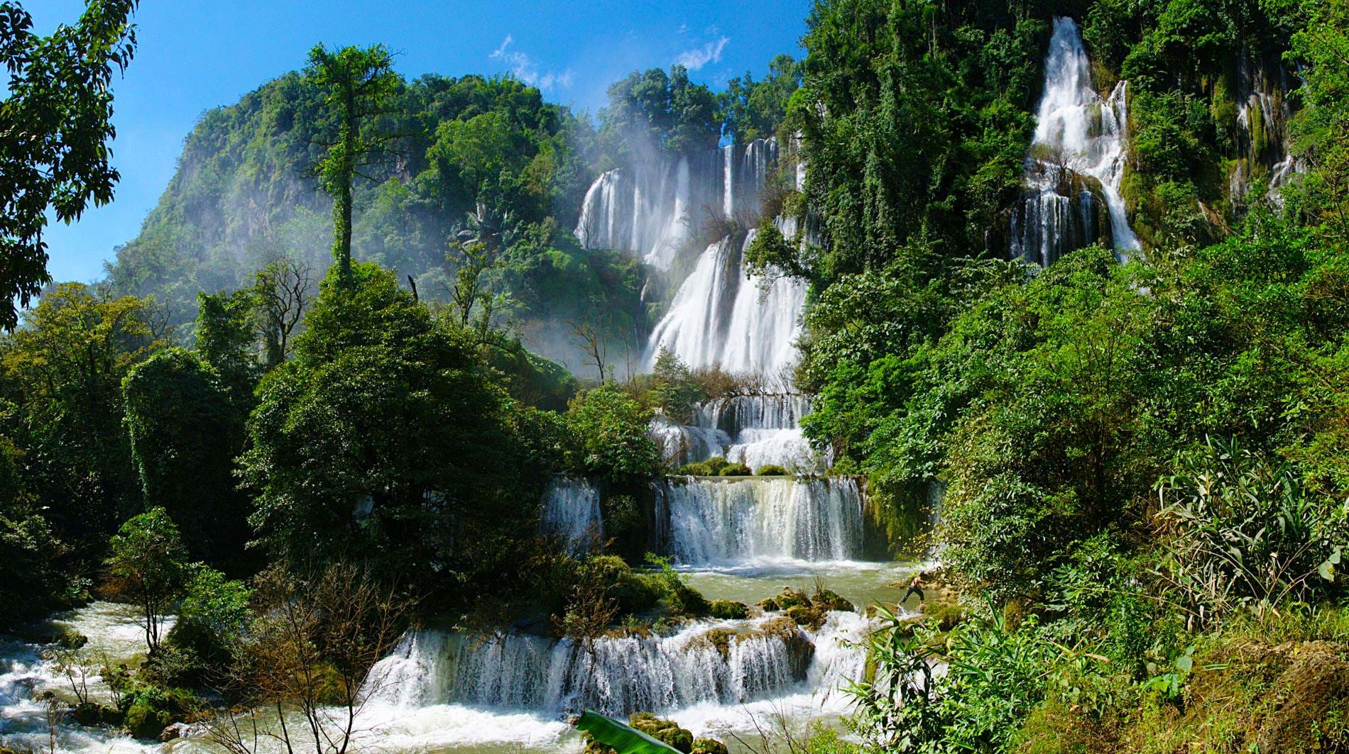 umphang-jungle-trekking-waterfall
