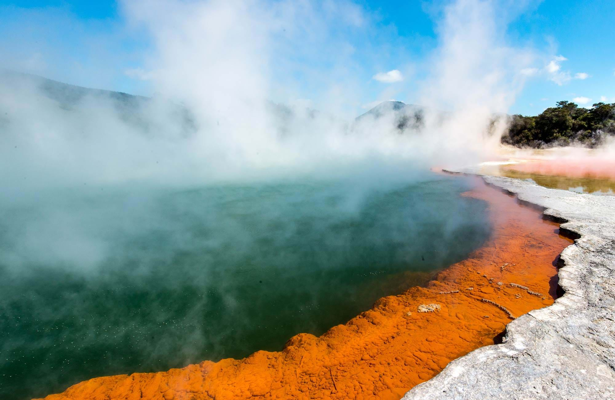 new-zealand-rotorua-steam-cover