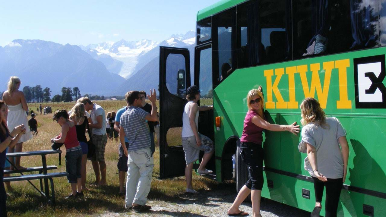 Kiwi Experience bus pass in New Zealand - hop on / hop off