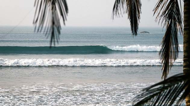 lapoint-surfing-sri-lanka-morning-peelers2