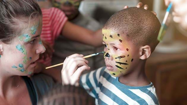 save-clever_cubs-face-painting_1280x720